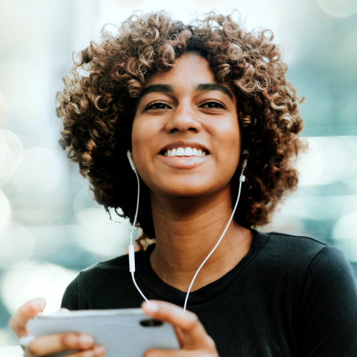 How Audio Podcasts Complement Video Viewing